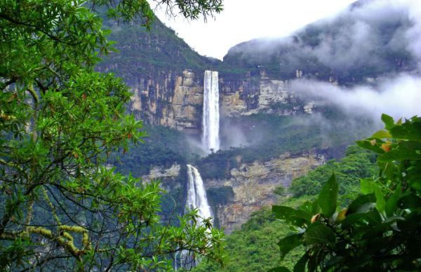 Cataratas Las Tres Hermanas ile ilgili görsel sonucu