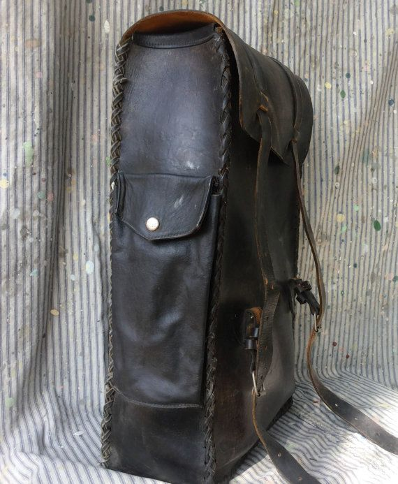 b580a071c0a Motorcycle Sissy bar bag XL Backpack handmade vintage Leather 70s  Distressed Worn Biker Outlaw Unisex panhead shovelhead