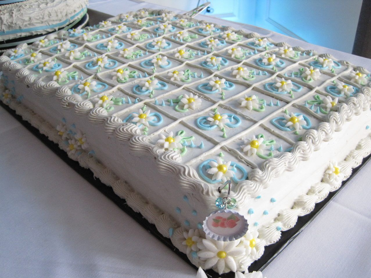 sheet cake - design/cut lines for your guests... I likethe ...