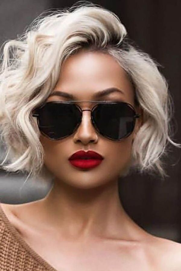 5 Simple Short Hairstyles For Women for Over 50 in 2019 : Have a look! | Courte Coiffures