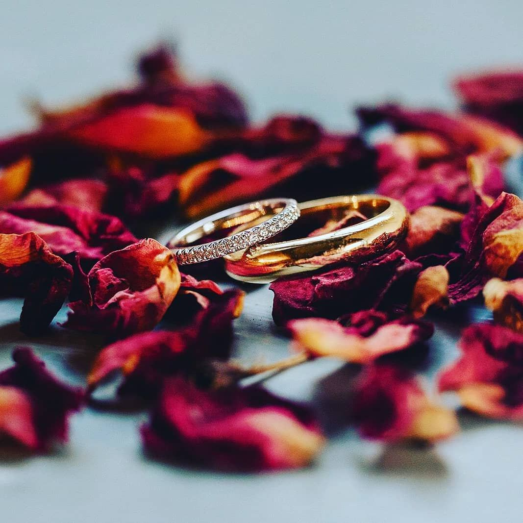 Remembering our special couple and their special day with their special wedding rings. . . . . #weddingjewellery #weddings #weddingphotography #happycouple #sayingido #sayido #weddingband #pavediamond #diamondband #goldweddingring #bride #groom #weddingband
