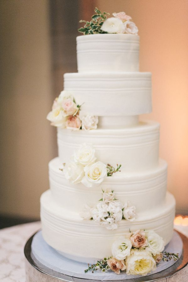 Look at this five tier wedding cake! Absolutely amazing: http://www.stylemepretty.com/virginia-weddings/norfolk/2016/09/20/classic-elegance-in-a-breathtaking-museum-setting/ Photography: Still 55 - http://www.still55weddings.com/
