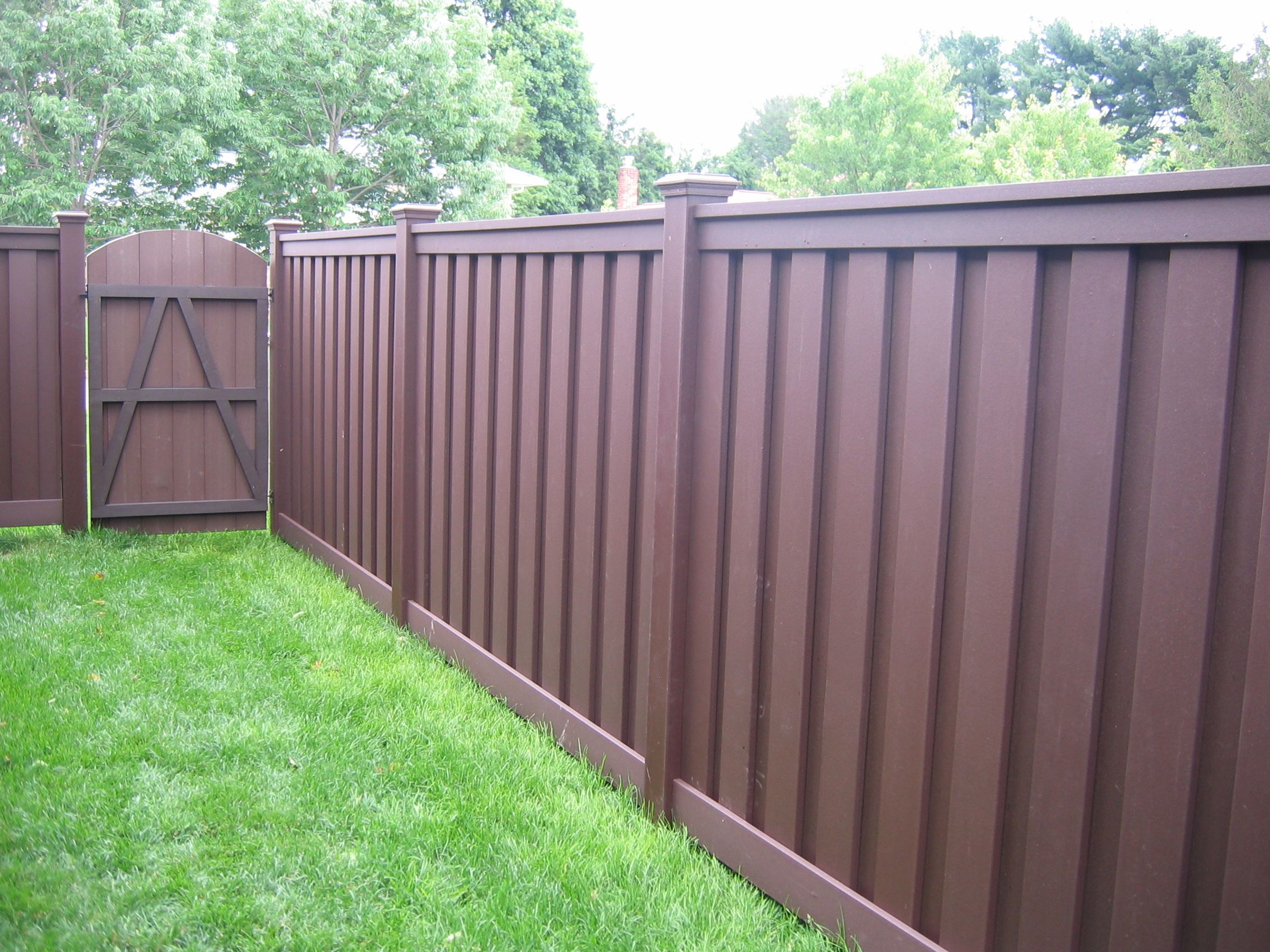 Wood Privacy Fence Distributor Wpc Fence Cost Per Linear Foot