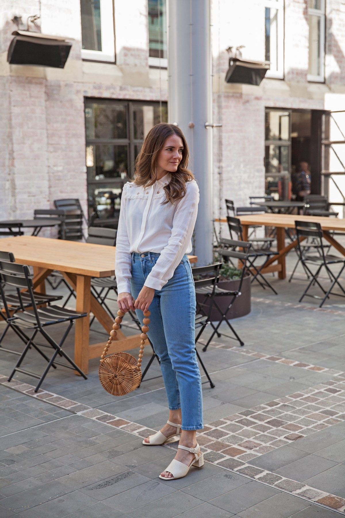 e0e163c48265 Everlane cheeky straight jean and block heeled sandal worn by Australian  fashion blogger Jenelle Witty of