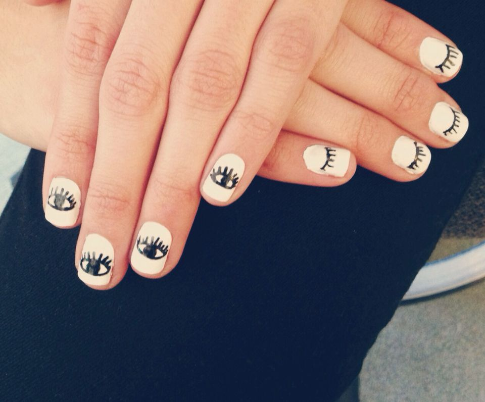 Evil Eye Nail Art Simple Minimal Black And White Nail Design Evil Eye Nails Eye Nail Art Black And White Nail Designs