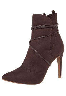 bf475d4f8 Bota DAFITI SHOES Amarração Tassel Marrom Botas Marrons, Sapatos Lindos,  Roupas Elegantes, Calças