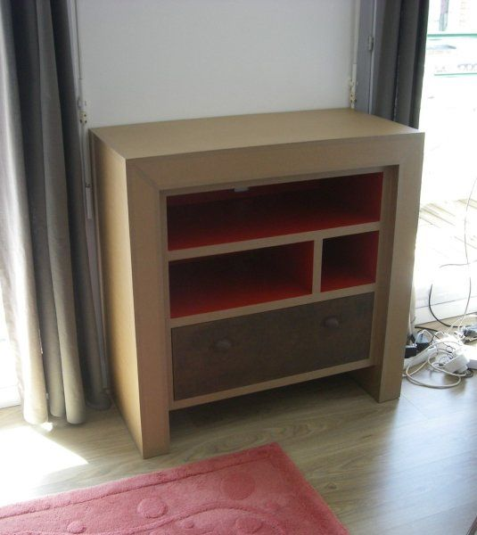 console de t l vision en carton recycl sur mesure pinterest carton. Black Bedroom Furniture Sets. Home Design Ideas