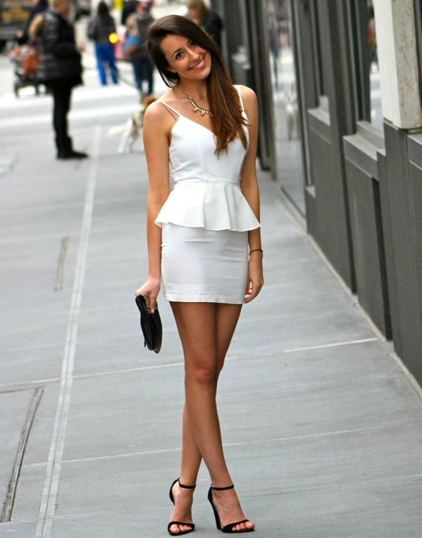 white peplum mini   Hübsch   Pinterest   Beine und Hübsch