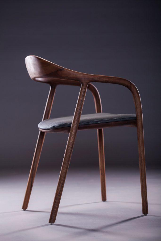 Wunderschoner Stuhl In Amerikanischem Nussbaum Sitzflache Mit Leder In Jeder Farbe Stuhle Stuhl Holz Stuhl Leder