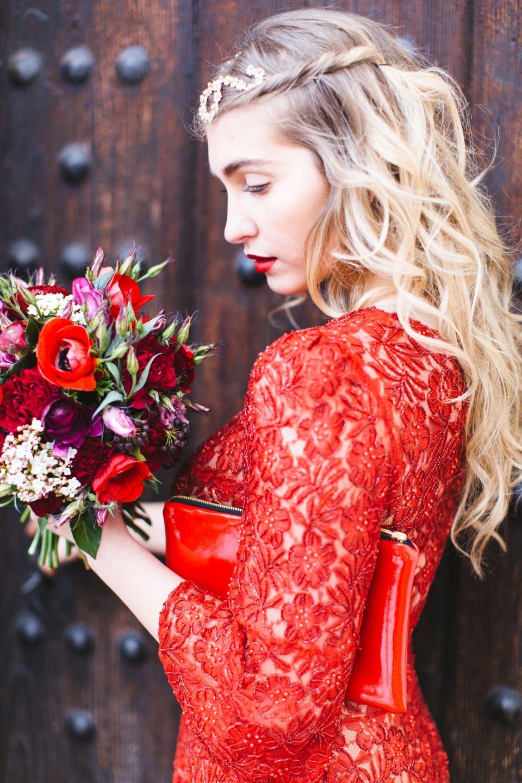 Rotes kleid fur standesamt