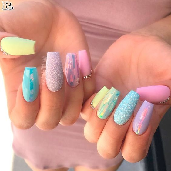 20 Easter Acrylic Nails Which Supremely Stylish And Fashionable Hike N Dip In 2020 Trendy Nails Sparkly Nails Nail Designs