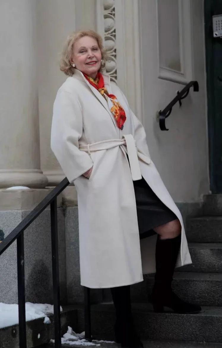 Как одеваться женщине после 60 лет чтобы выглядеть моложе ...