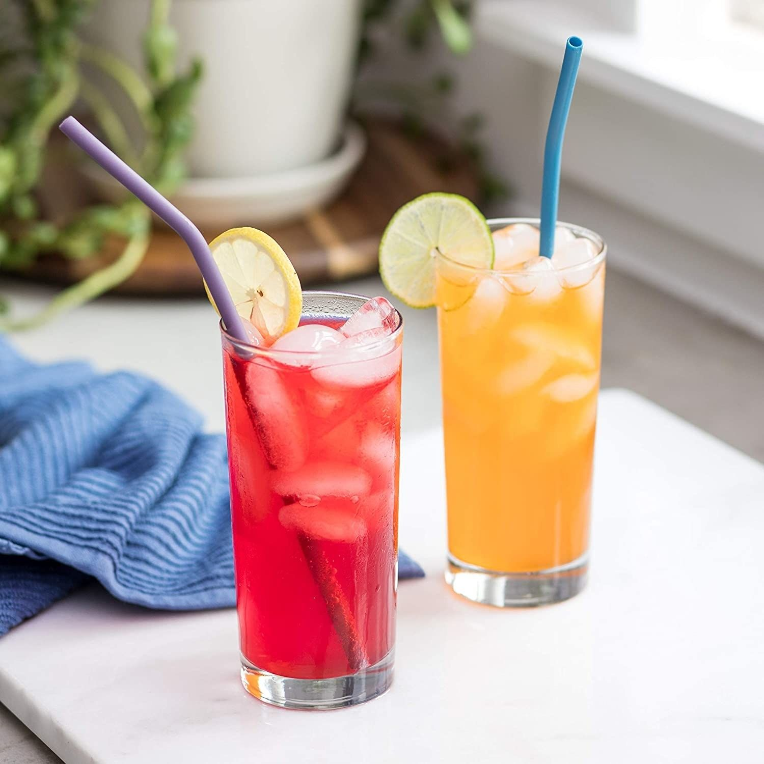 A set of 10 silicone straws to curb your use of plastic