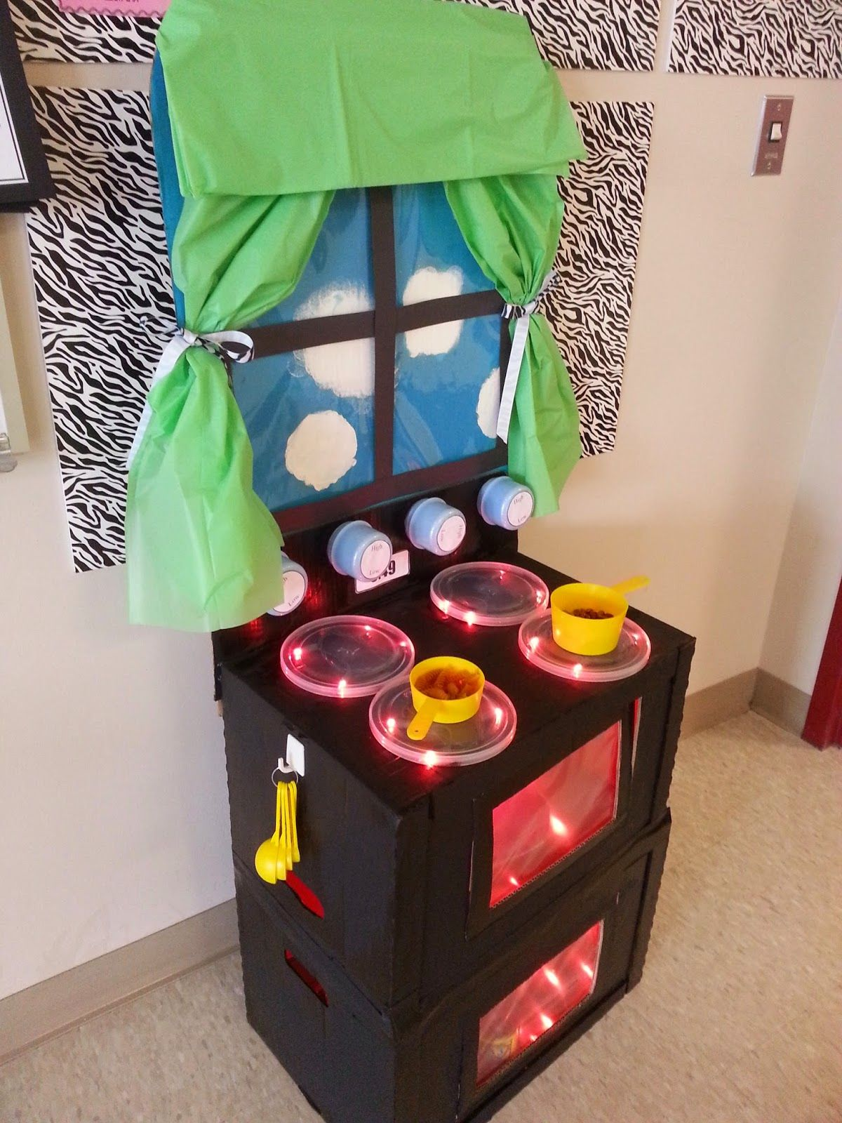 Food Drive Box Decorating Contest, Cardboard Oven / Stove