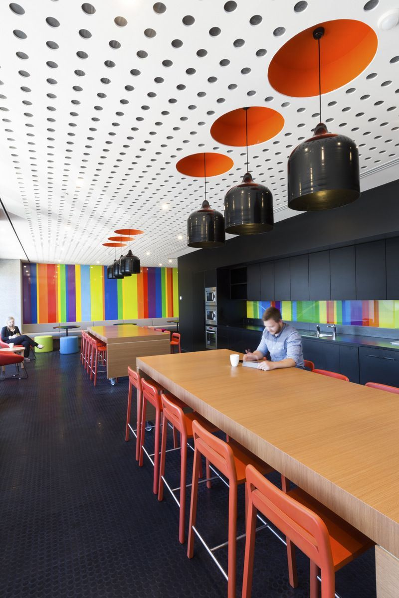 Cool Interior Office Designs With Plants: Inside ACMA's Melbourne Offices / Peckvonhartel