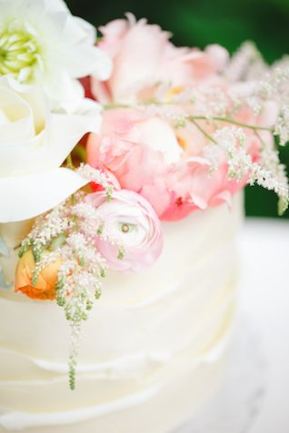 Fresh flower topped cake   Claire Graham Photography    see more on: http://burnettsboards.com/2015/04/coral-peach-wedding-editorial/