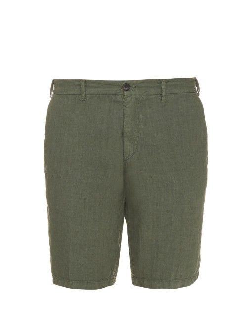 J.W. Brine's olive-green linen Donnie shorts are expertly crafted by Italian artisans in the mountains of Carrara. They're a slim-fitting style with timeless detailing, and stop just above the knees. Runs true to size.