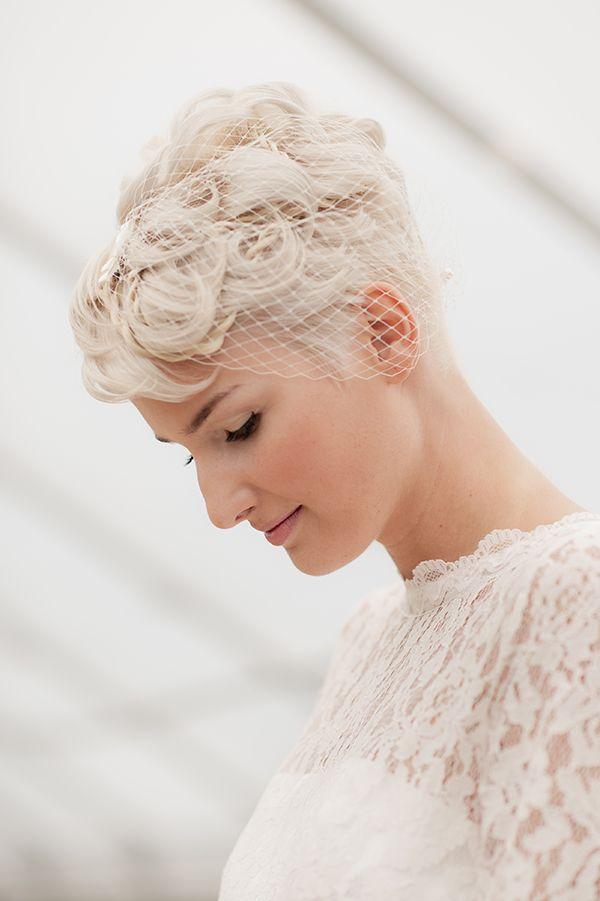 Headpiece Love Kurzes brauthaar, Hochzeit frisuren kurz