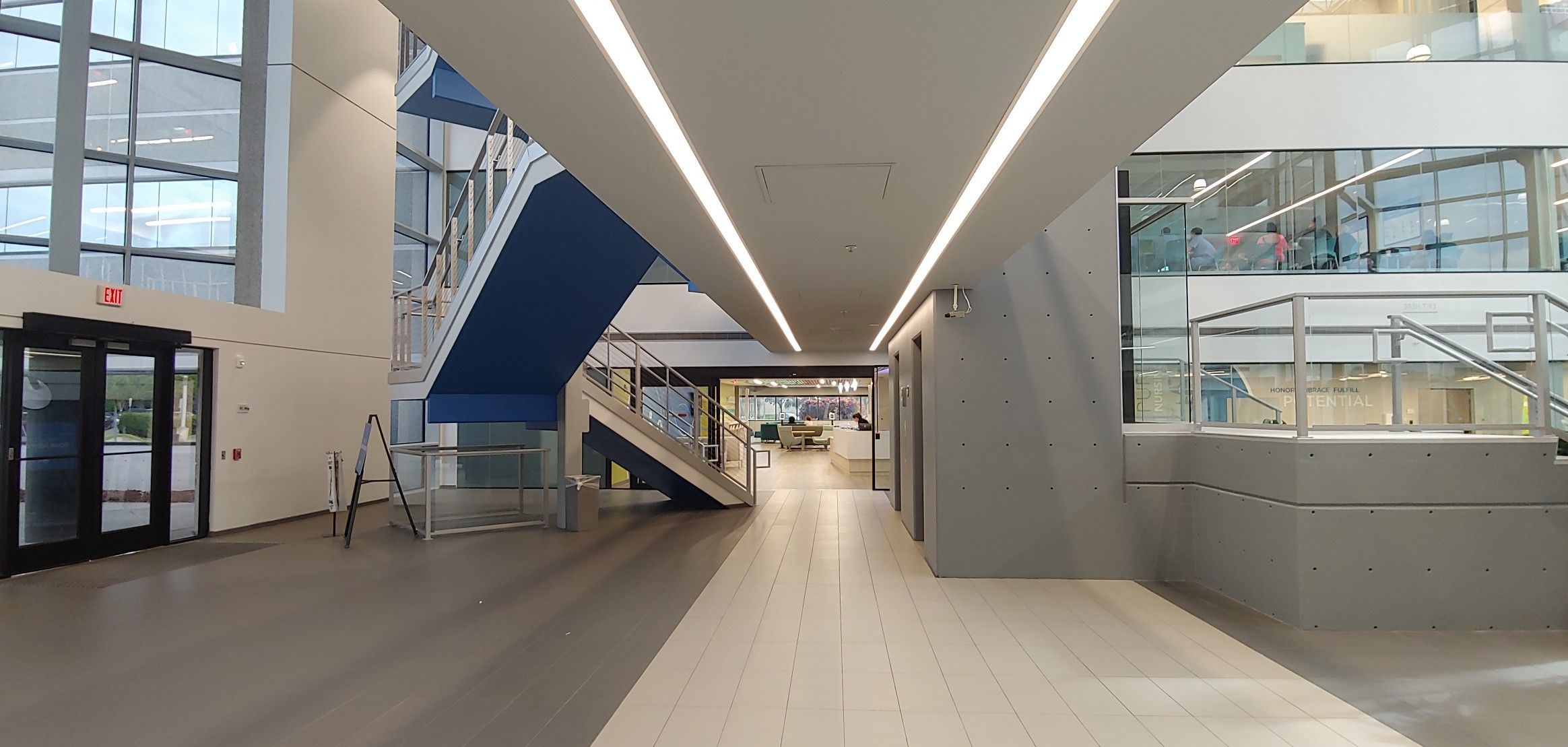 Best Office Building Lobby With Images Office Building 400 x 300
