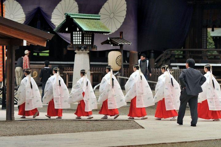 Shunkireitaisai – Yasukuni Shrine Spring Festival.  (I know the Yasukuni shrine is not without controversy, but this is a beautiful shot.)