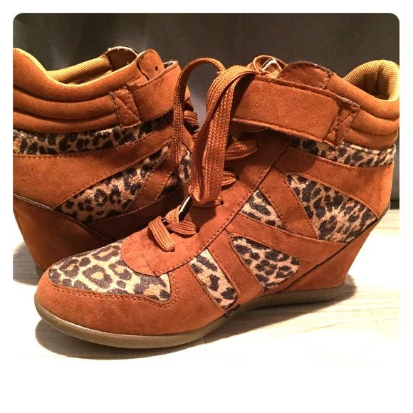 Tan leopard print heeled sneakers!!! Size 7 Body Central Shoes Heeled Boots