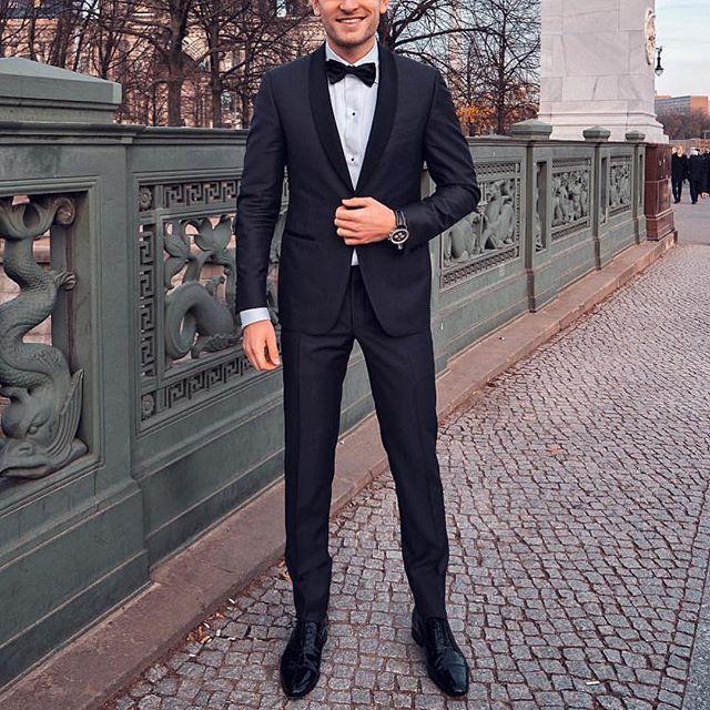 04d9a0b202bf How To Look Like a Rich Man ( In 10 Mostly Easy Steps )