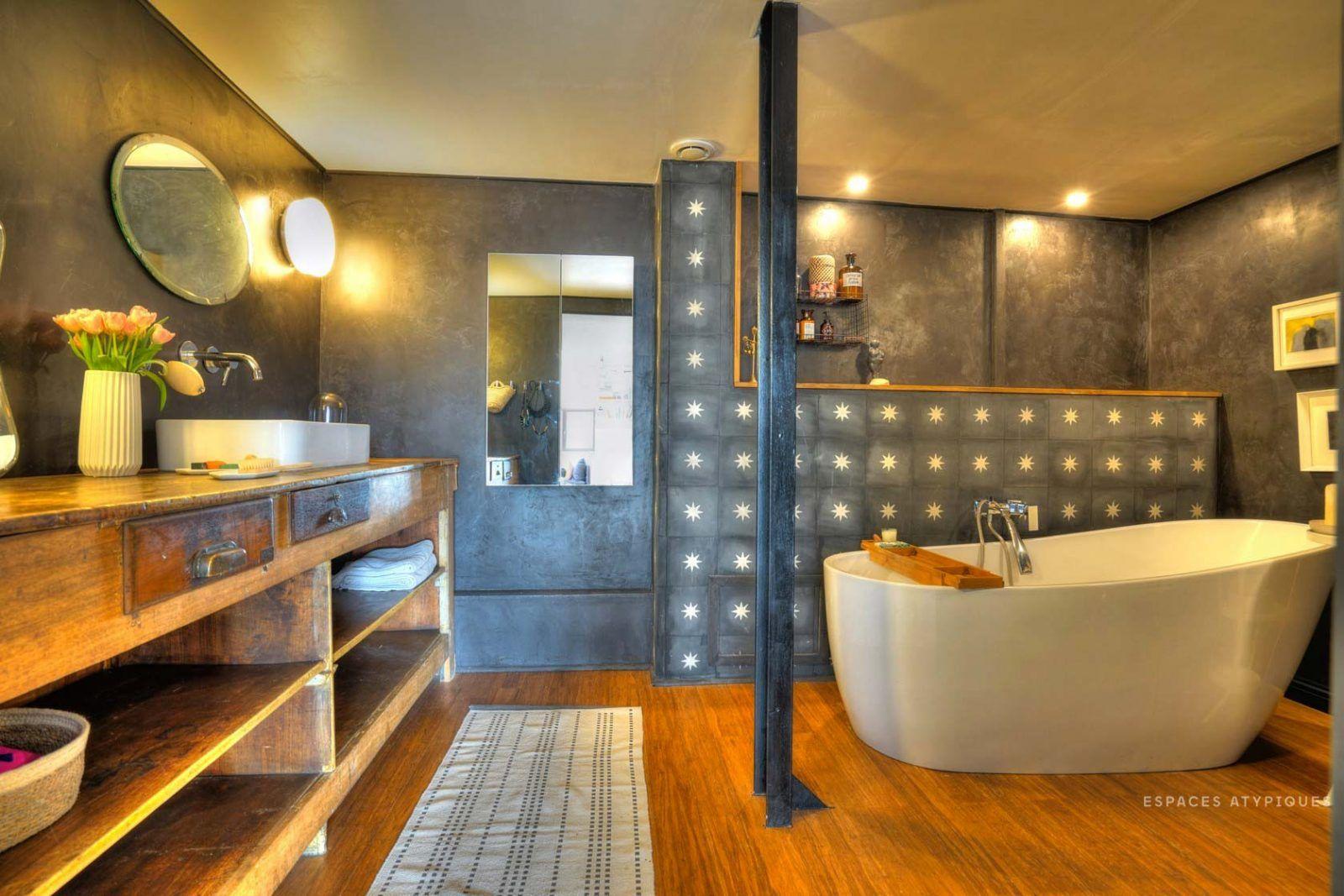 Loft dans une ancienne filature à Roubaix   Décoration salle de bain ...