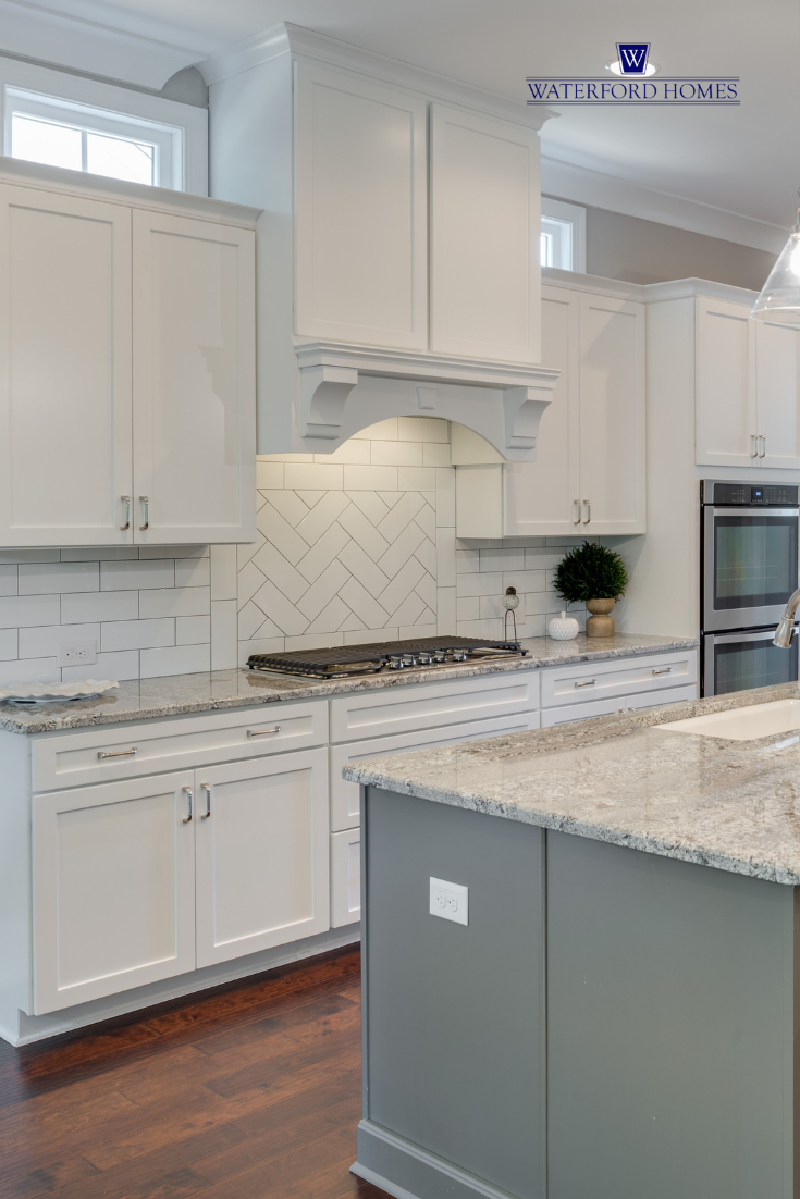 Traditional White Kitchen With Granite Counter Tops And White Tiles All White Kitchen Traditional Kitchen Cabinets Grey And White Granite Countertops Kitchen