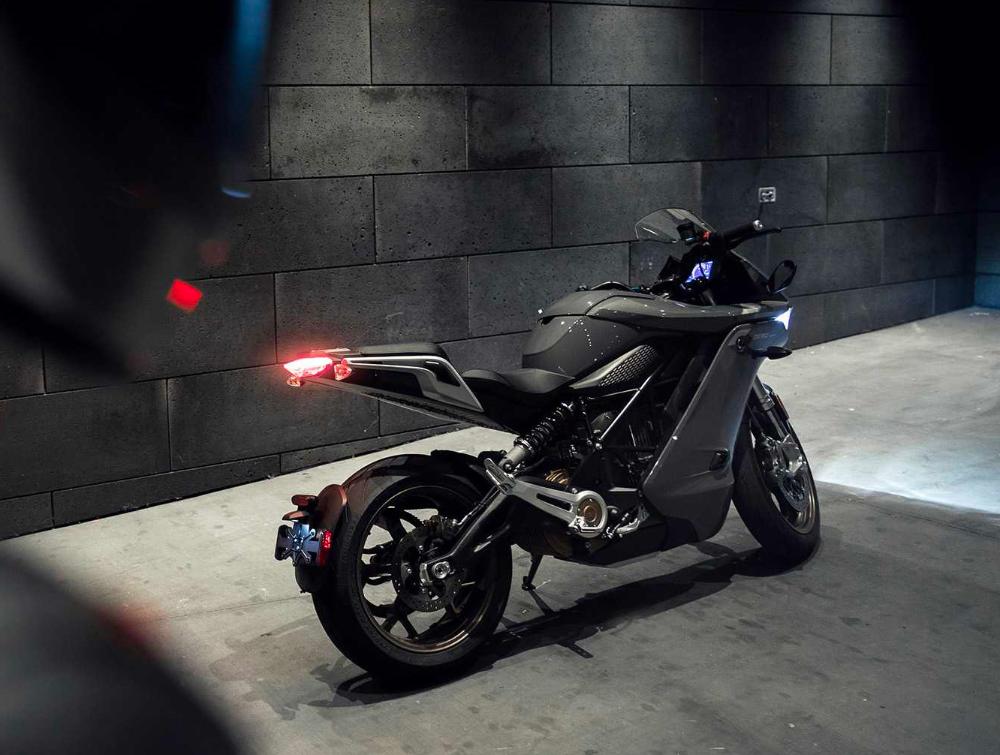 Zero Motorcycles Unveils Sr S All Electric Sport Bike In 2020