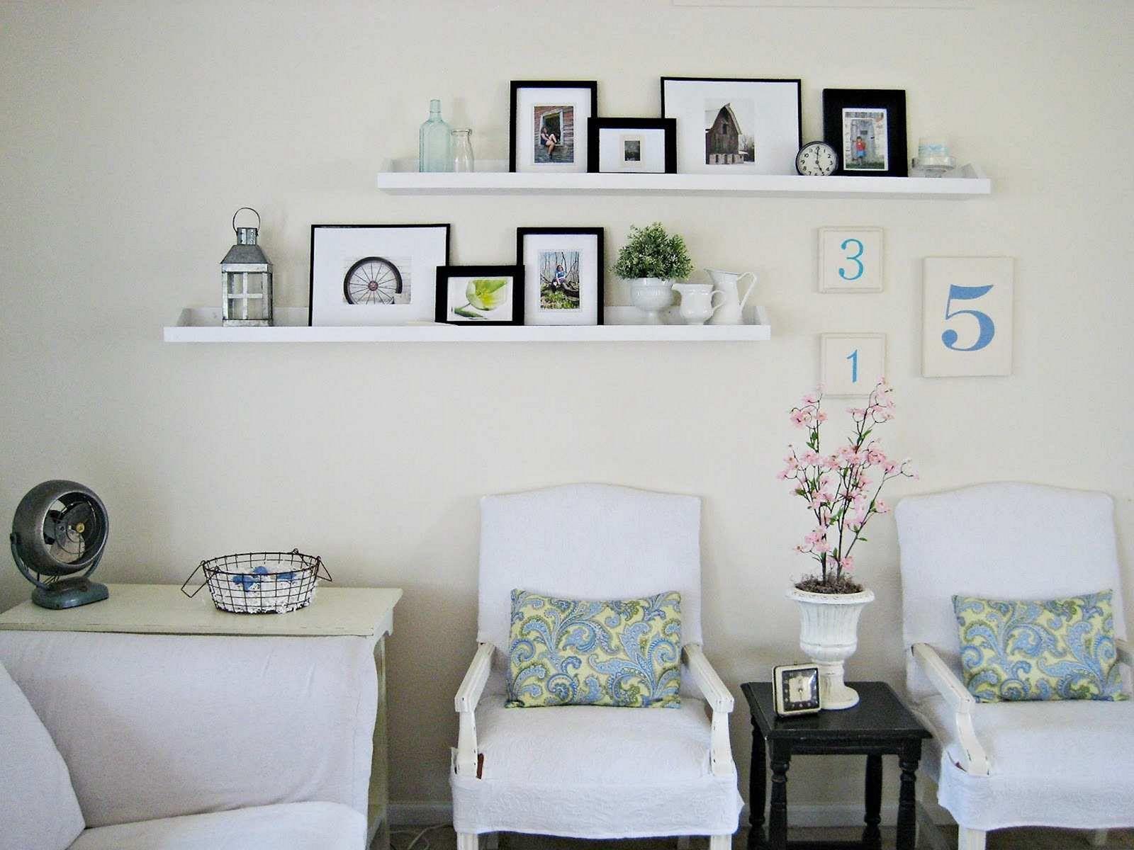 25+ DIY Floating Design For Stunning Living Room Storage ...