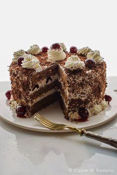 Torta Foresta Nera con Amarena
