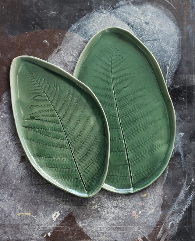 "Mikaela Puranen • Ceramics on Instagram: ""#30platesin30days challenge - day 3 Green. Handbuilt fern plates in my favorite green glaze"