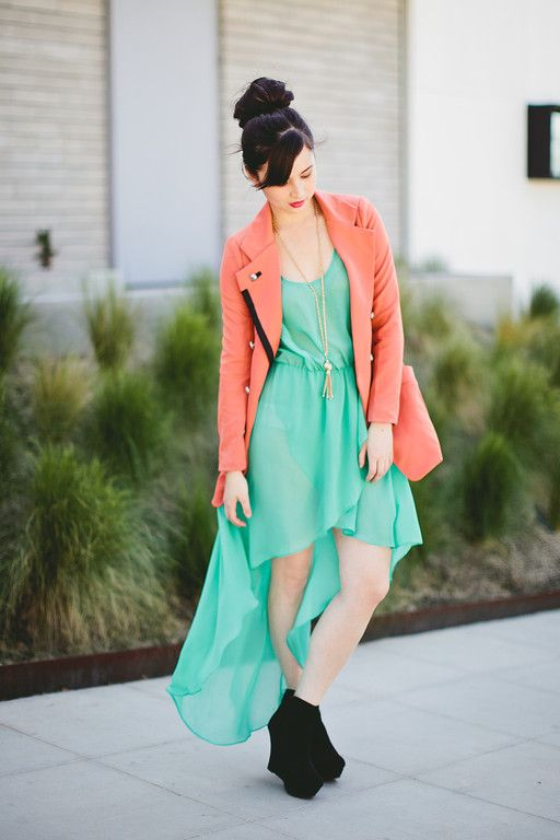 92a430c0a6 Cómo combinar un vestido verde menta - más en www.comocombinar.com ...