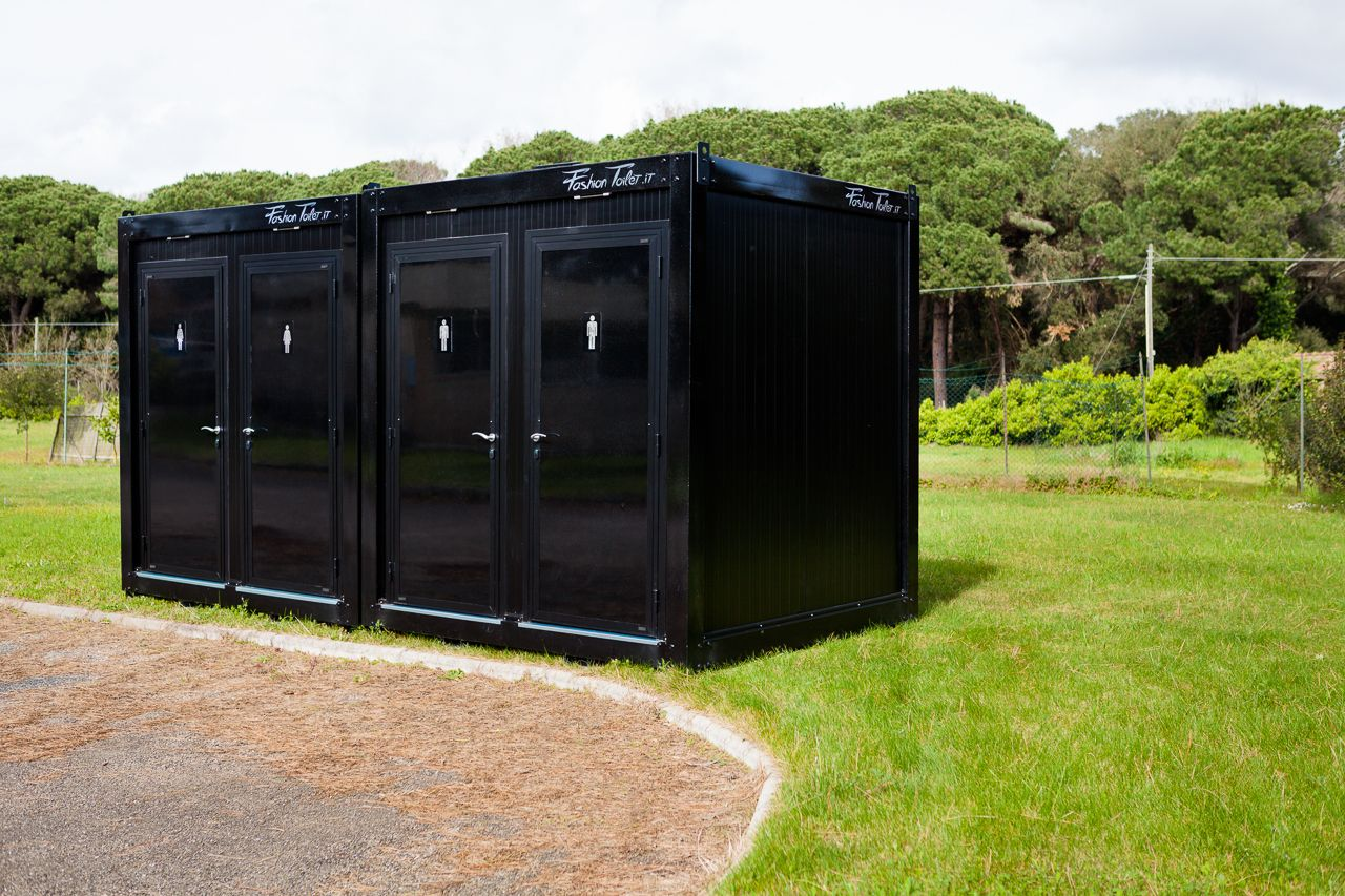 Fashiontoilet mobile bathrooms rentingforevents - Shipping container bathroom design ...