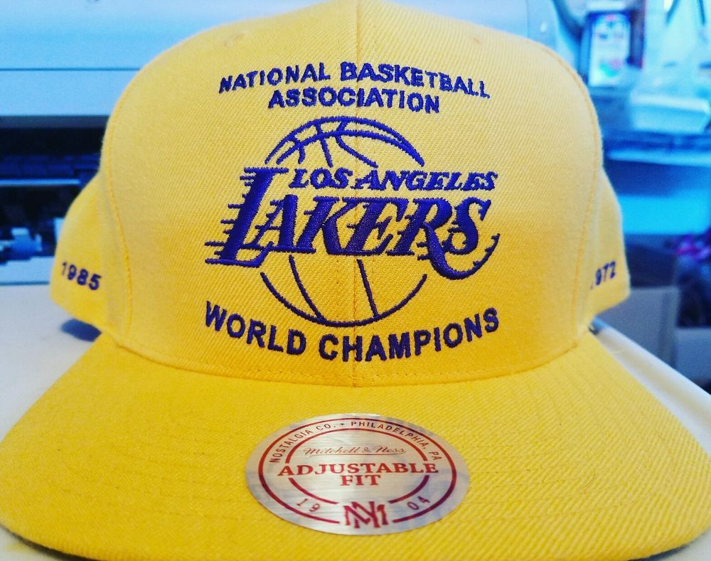075605a2e4d LOS ANGELES LAKERS SNAPBACK 16X WORLD CHAMPIONS ((MITCHELL AND NESS ...