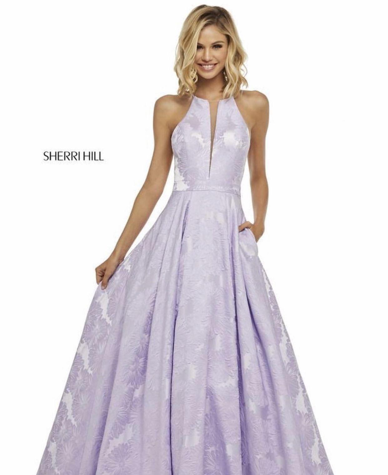 32345b20b80c scarlett leithold | Scarlett Leithold in 2019 | Lilac prom dresses ...