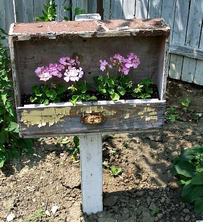 Unique Garden Idea | Reclaimed Wooden Drawer Re-purposed as a Post/Pole Planter