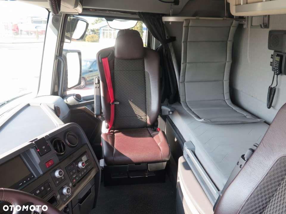 interieur renault truck t - Google zoeken   Renault trucks   Pinterest