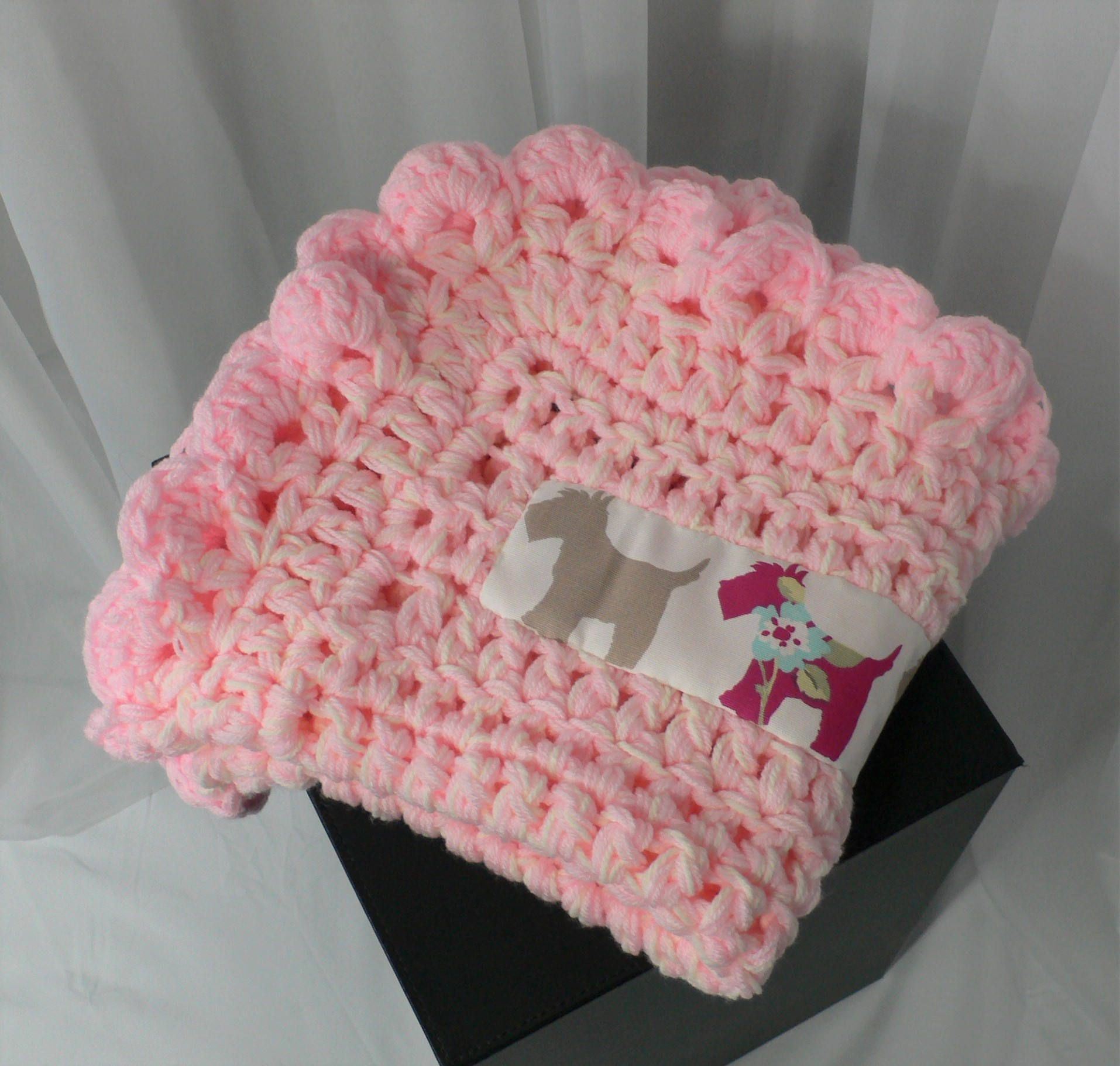 Pink Dog Blanket, Pet Bedding, Scottie Dog Applique, Cat