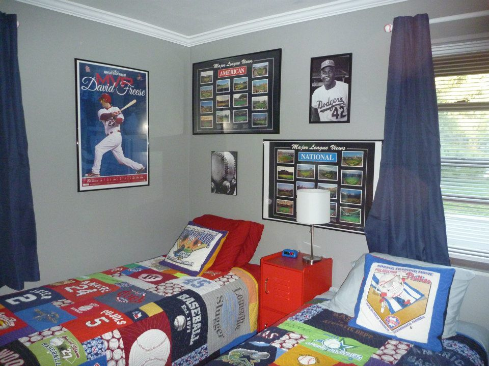 Bedroom Design Fascinating Red And Baseball Theme Bedsheets Bedroom