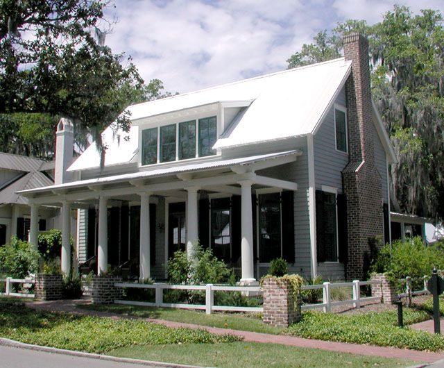 Lowcountry Cottage Great Interior Screen Porch And Separation From Living Sleeping Southern Living House Plans Cottage House Plans Country House Plans