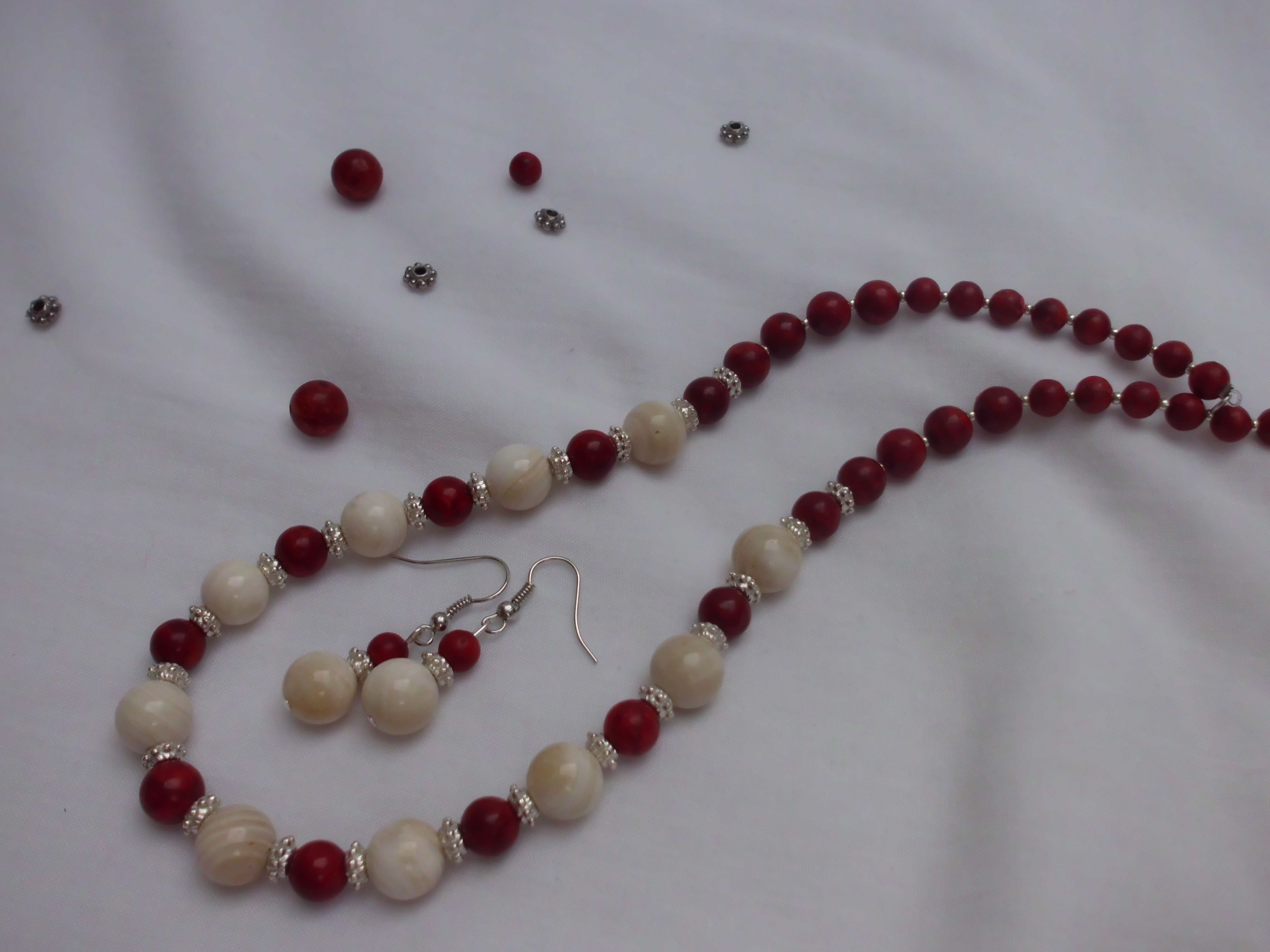Coral and shell 60€ More on http://nakitkamala.wix.com/europe