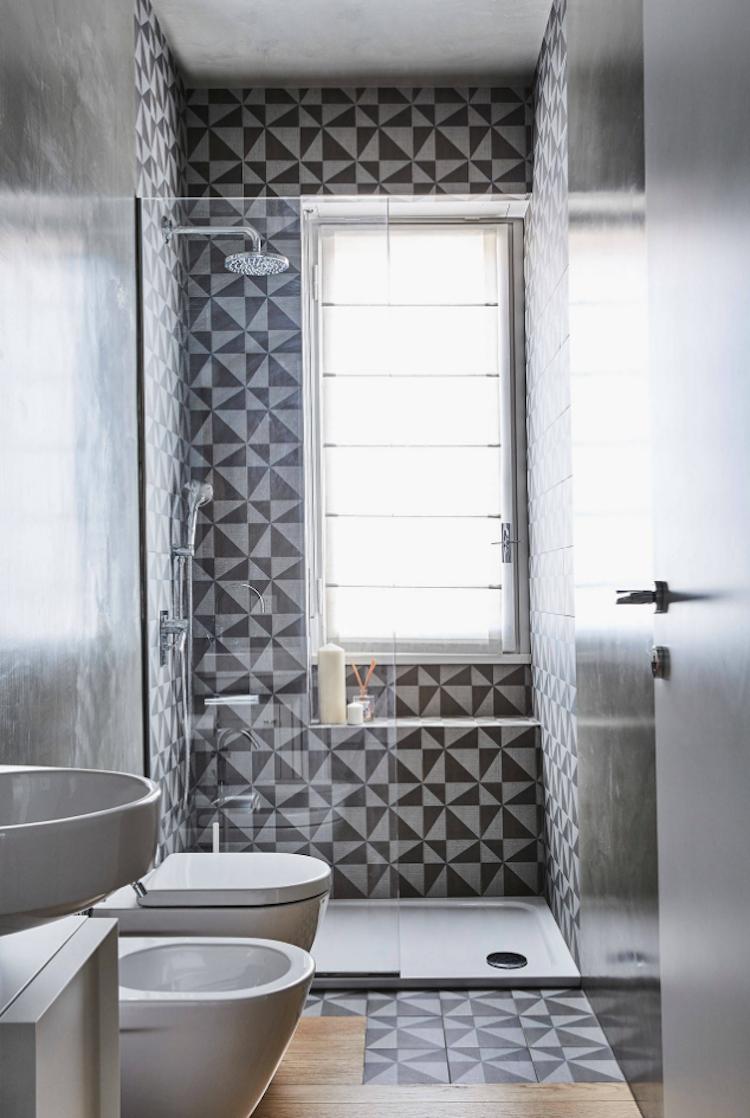 Dusche Vor Fenster Im Badezimmer Stilvolle Ideen Fur Erstklassigen Einbau Rollo Gardinen Bathroom Schonstenba Dusche Fenster Badezimmer Badezimmer Design