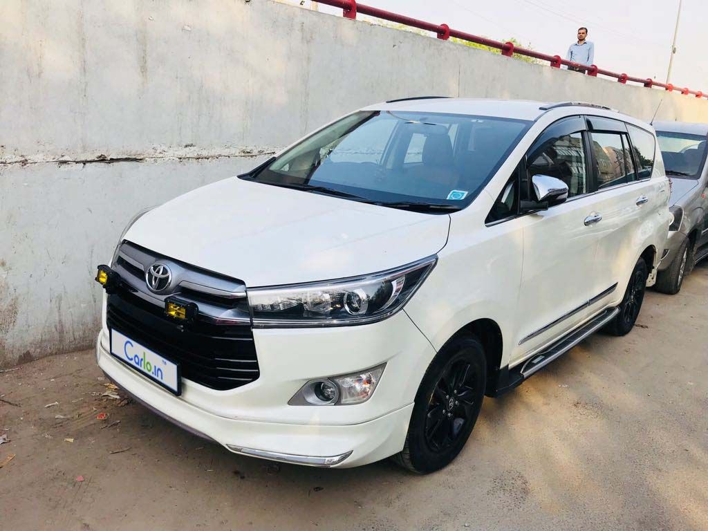 Used Toyota Innova Crysta 2 8 Zx At 7 Seater Car For Sale In New Delhi Carforsale Usedcar Carlo Innova Crysta Cars Toyota Innova Used Toyota Toyota