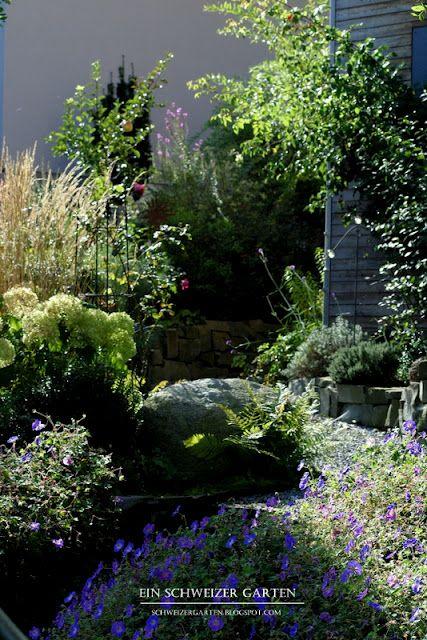 ein schweizer garten vorgartengestaltung mit stauden gr sern und rosen gartentr ume. Black Bedroom Furniture Sets. Home Design Ideas