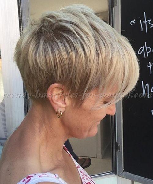 Neueste Frisuren 2018 Kurzer Pixie Cut Mit Langen Pony Kurzer