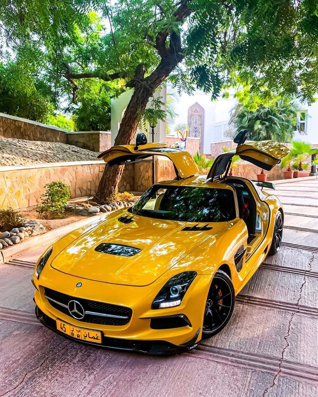 €500,000 SLS AMG Black Series Ready For Takeoff🐝 Tag