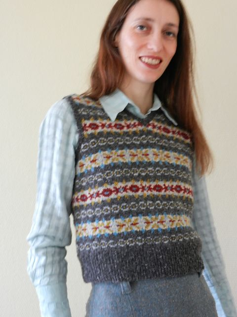 Ravelry: Project Gallery for Lady's Sleeveless Fair Isle Pullover ...