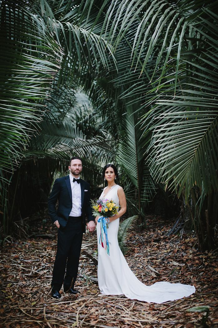 Bride and groom wedding portaits | fabmood.com #weddingphoto