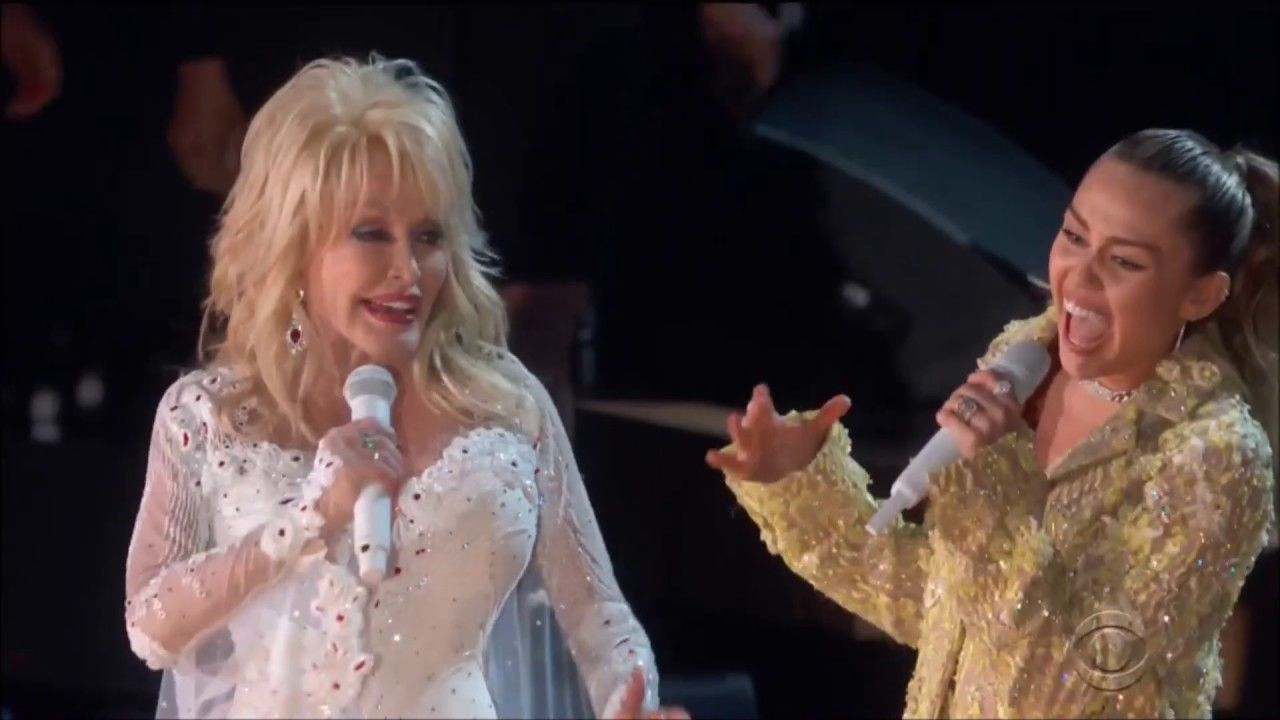 Miley Cyrus And Dolly Parton Sing Jolene Live In Concert Grammys 2019 Dolly Parton Grammy Miley Cyrus